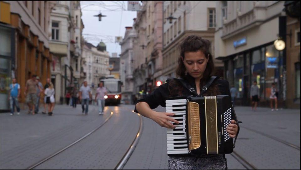 Brno 14_8_2011.Still008_2